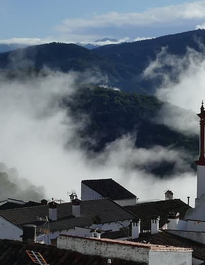 White villages, such as Benarrabá, are a muest for any ecotouristic circuit in Andalusia..